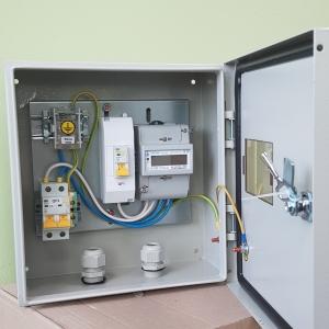 Щит учета электроэнергии однофазный 3кВт 220в IP66 в сборе на опору/ дом